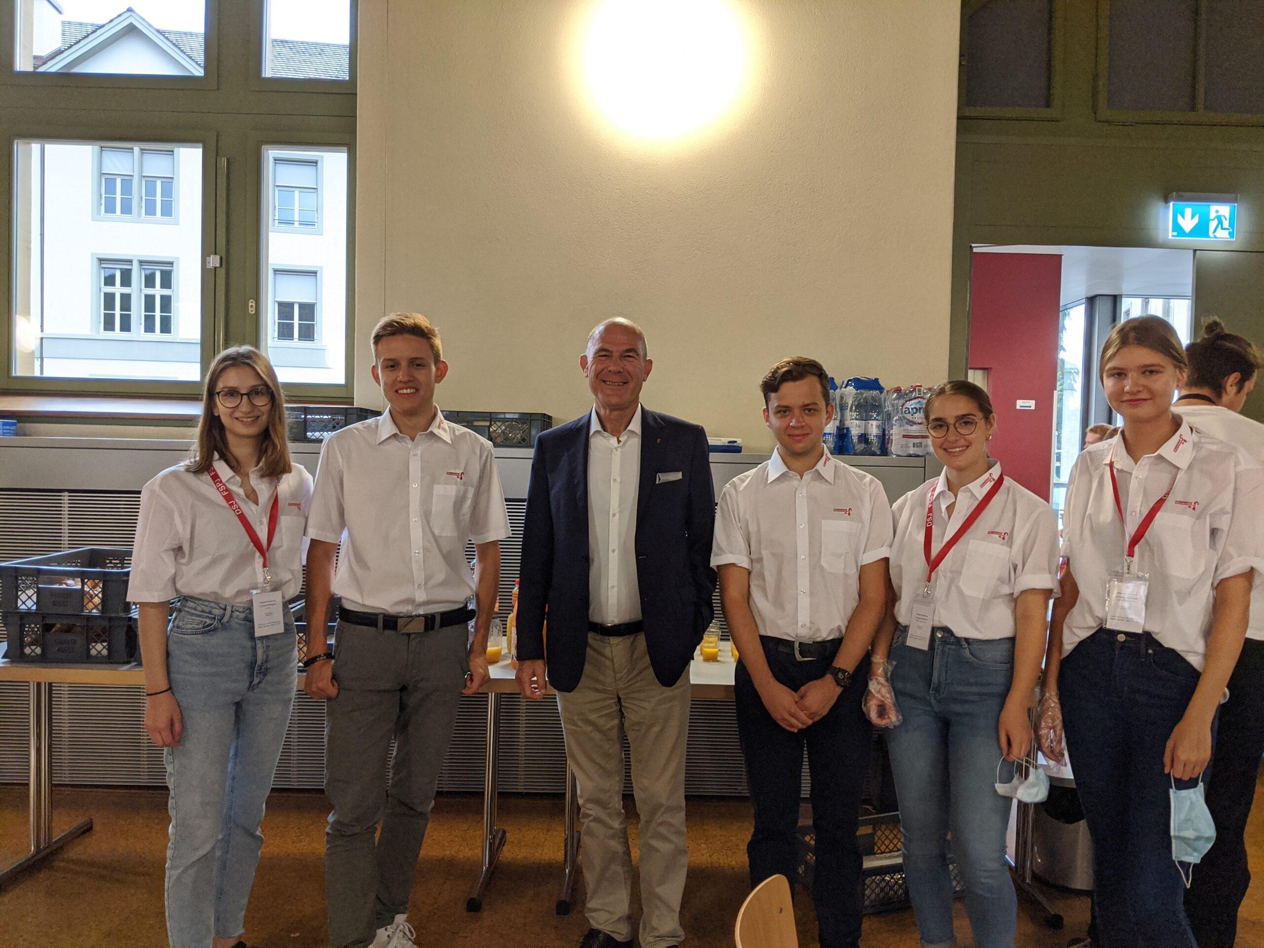 Der Jugendrat mit Anton Lauber. (Lorena Blattmann, Benjamin Rigo, Dr. Anton Lauber, Lucio Sansano, Giada Lombardi & Julia Berger)